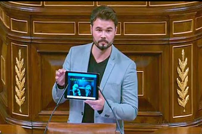 foto Gabriel Rufian en el congreso