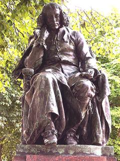 spinoza estatua