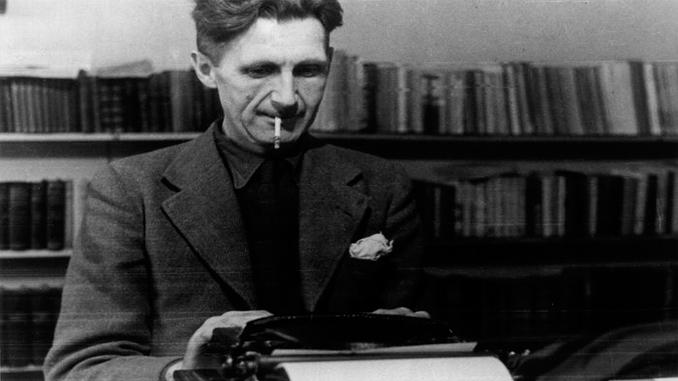 george orwell escribiendo a máquina