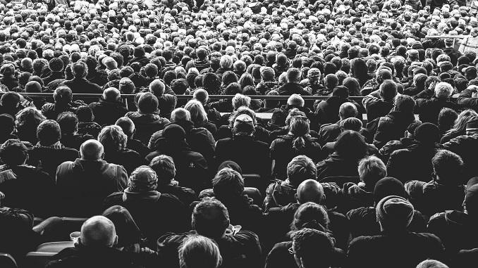 La Multitud en la Historia – multitud 2 ip
